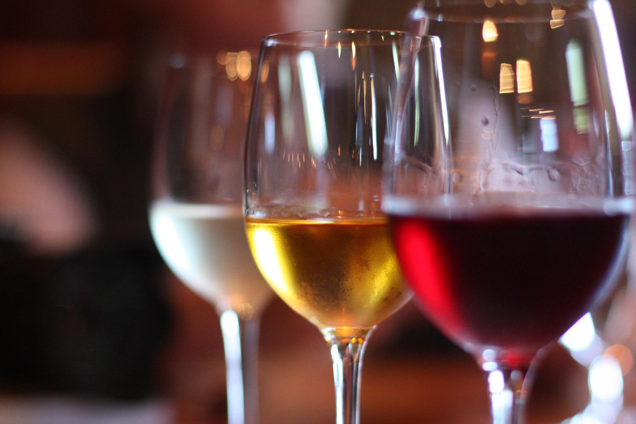 wines, wine pairing, oil pairings, vinegar pairings, chardonnay vinaigrette, extra virgin olive oil, infused olive oil, infused vinegar, flavored vinegar, oviedo olive oil, oviedo olive oil company
